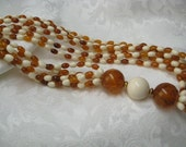 Vintage Beaded Necklace Ivory & Tortoise retro 1980s style amber and ivory color acrylic beads perfect rockabilly necklace