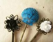 Summer Hair Accessories. Mermaid Hair pins, Flower Hair Pins, Beach Hair Styles, Blue Shell Bobby Pins, Summer Fashion. Resort Style.