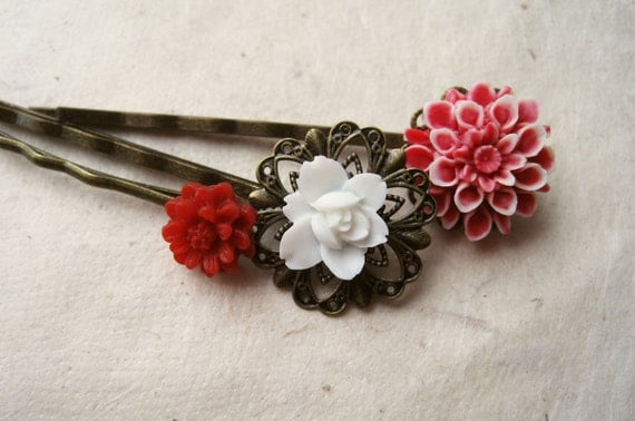 Red Hair Accessories. Flower Hair Pins. Red, White Floral Bobby Pins, Dahlia, Daisy & Lotus. Antique Brass Filigree Bobby Pins. Set of 3.
