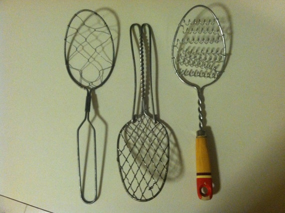 Three Primitive Antique Kitchen Utensil Wire Whisks Egg Scramblers Culinary Food Whips