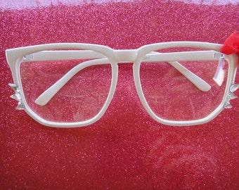 1 pair Hello kitty nerd glasses