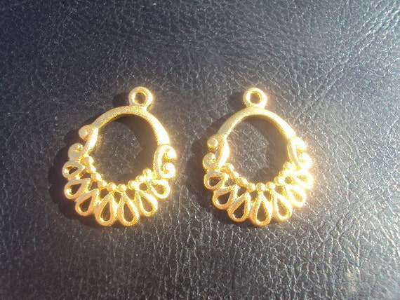 High End Vermiel Gold Chandelier Earring Findings Component 20x15mm 2 Pieces 1 Pair...Designer, Luxe, Rare, Detailed...