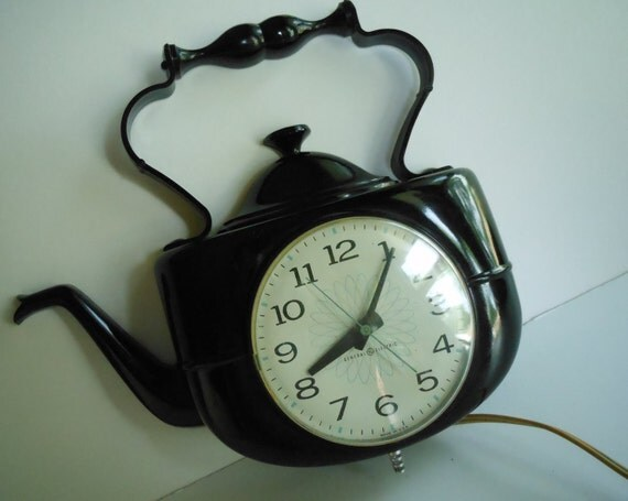 Vintage Black Teapot Clock