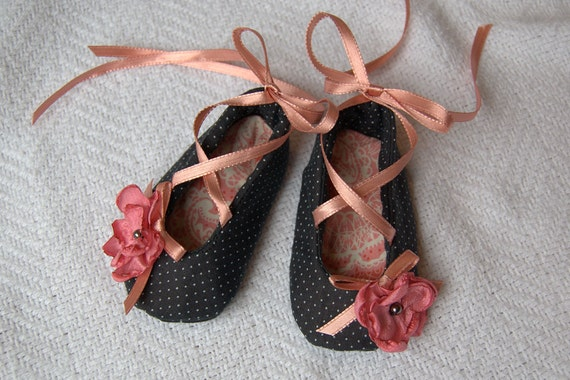 Baby Girl Shoes, Size 1 Black & Pink Crib Shoes for Newborn - 3 Months, Baby Booties, Ballet Shoes for Baby