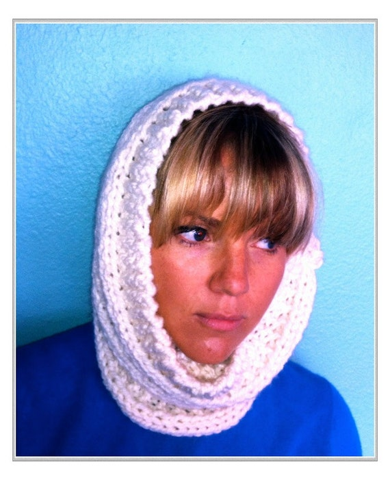 Ultra Soft Cream/Off White Hand Knitted Neckwarmer Cowl Circle Infinity Scarf, Cream Loop Scarf