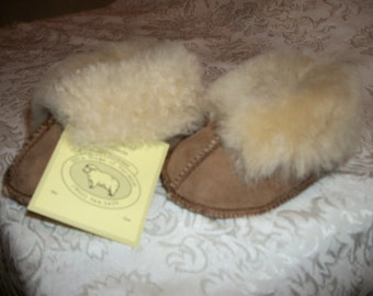 Handcrafted Sheepskin  Babies Slippers Sizes Small-Medium-Large- & X-Large NWT