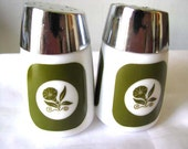 Dispensers Inc Salt and Pepper Shakers no 902 - Green and White Salt and Pepper Shakers