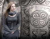 Viking waistcorset  Botarve reversible from Linen fabrics and Gotlandic Lambsfur. Warm elegance.