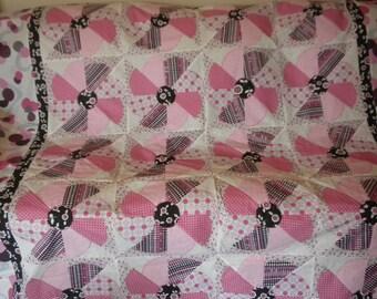 Twin girls quilt /Pink kaliedascope