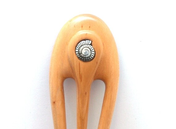 Wooden hair fork, 3 prong, Hair sticks, Wood, Cherry, Metal seashell, Hairpin, Handmade