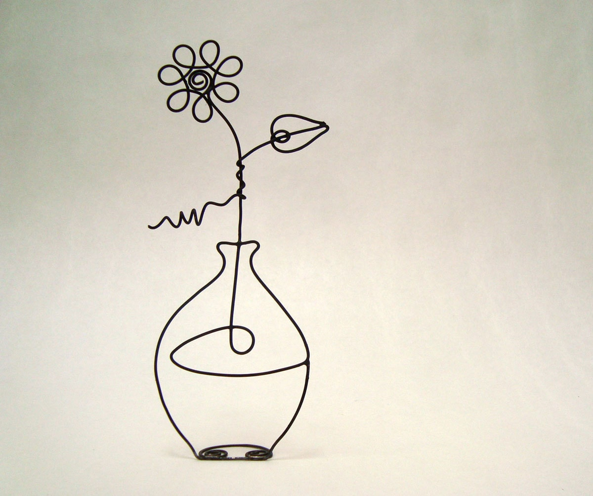 Flower in a vase continuous wire sculpture for Very simple wire craft projects