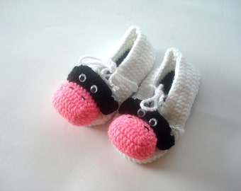 Crochet Baby Booties, white baby slippers, cow crochet baby shoes, crochet baby booties 6 - 12   month baby, crochet baby shoes, baby socks