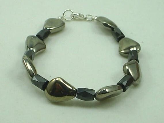 Hematite Gemstone Bracelet Handcrafted Metaphysical Design 2366