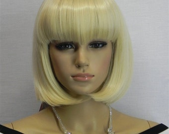 London // Short Blonde Wig Bob Chin Length Synthetic Hair