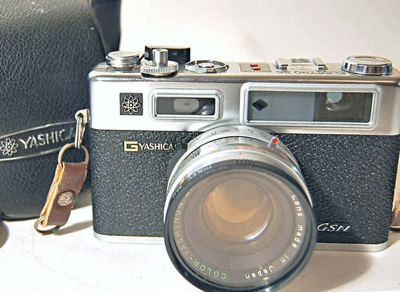 WORKING Yashica Electra 35, w/Case, Filter