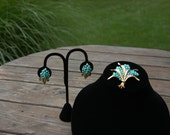 Vintage Crown trifari Turquoise and Gold Brooch Set