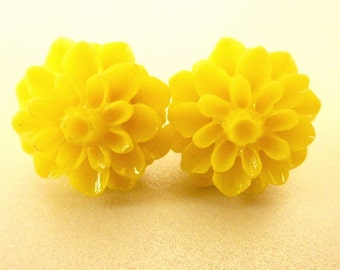 Sunshine yellow earrings FLOWER EARRINGS yellow post stud chrysanthemum