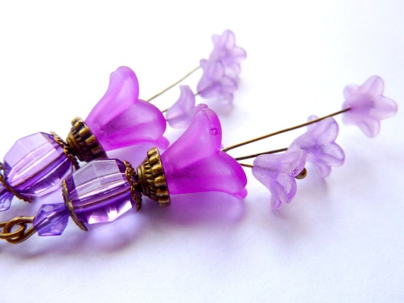 Flower earrings frosted violet purple lucite flower vintage earrings