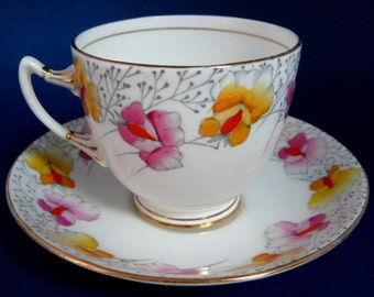 Teacup And Saucer Roslyn Art Deco Period Sweet Pea 1930s Hand Painted