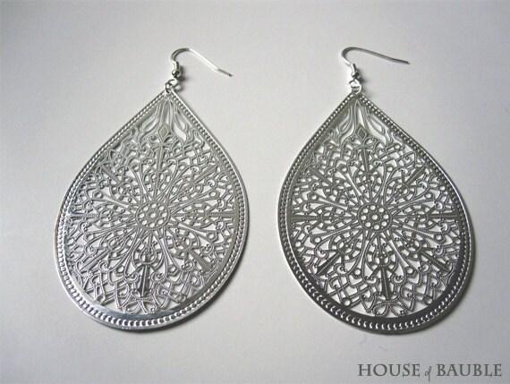 Drop shape silver plated nickel free earrings