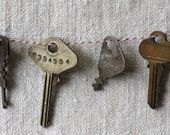 set of 6 vintage keys