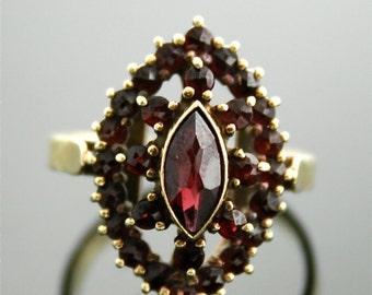 Antique Ring - Antique Garnet Ring - Yellow Gold and Garnet Ring