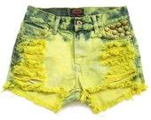 70% SALE High waist jean shorts XS