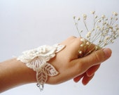 Bridal cuff, Bridesmaids Accessories, Wedding cuffs, Ivory Lace Bracelet, Women accessories,
