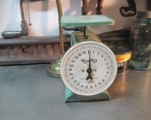 Sale- Vintage Way Rite Counter Scale