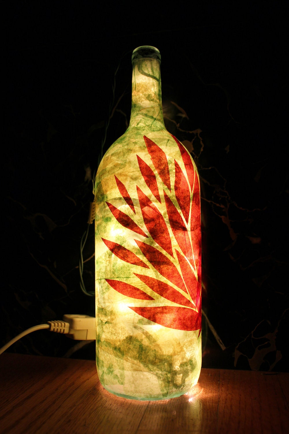 Red and green 1 5 litre wine bottle lamp for Champagne bottle lamp