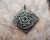 Fine Silver Pendant, Diamond / Circle Shaped (99.9% pure silver) - 819