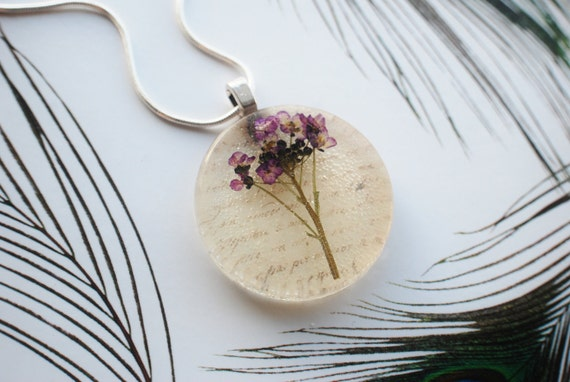 Nostalgic Purple Real Flower Resin Necklace With A Message From The Past: Pressed Flower in Resin with Vintage Letters