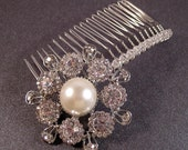 20% off SALE - Pearl hair comb with Swarovski pearls