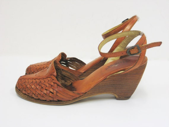 Vintage 9 West Woven Leather Wedge Sandal, size 7