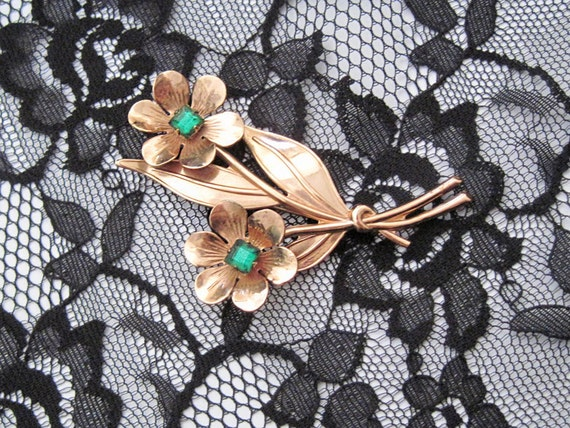 Graceful Daisies Vintage Sterling brooch pin Signed Excellent condition