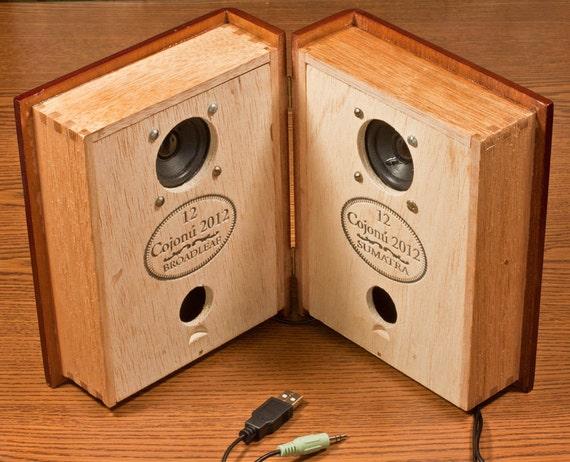 Steampunk iPod & iPhone Sound System - Tatuaje Cojonu 2012 Cigar Box