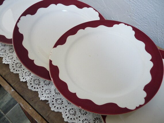Vintage Set of 4 French Small PLUM RED PLATES, white with plum red scalloped edges, stamped in Digoin Sarreguemines.