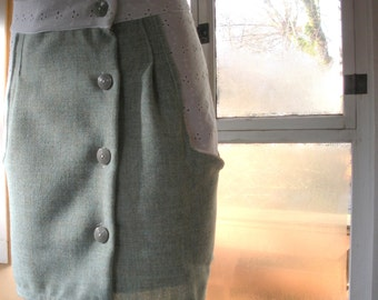 Mad Men Inspired Green and White Skirt. Size Sm, 2 or 4. FREE SHIPPING in the US.