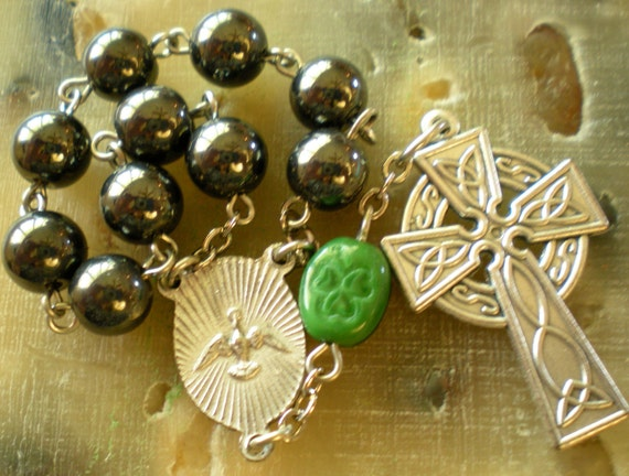 Celtic Pocket Rosary in Shamrock and Hematite