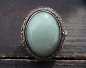 Vintage Ring, Green Stone Chinese Poison Ring in Gilt Silver circa 1960