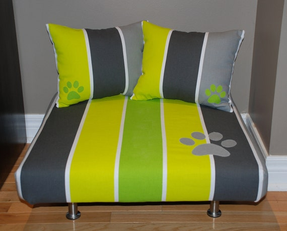 "24""x24"" Upholstered Pet Bed / Cat Bed / Small Dog Bed /// Pet Lounger with Pillows"