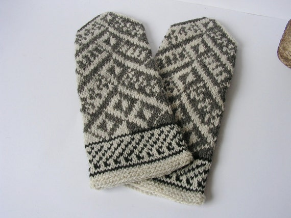 Hand knitted 100% wool Men Mittens