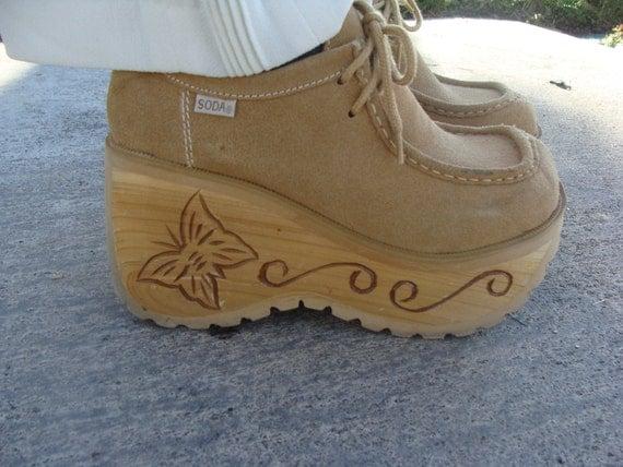 Tan Suede Wood 70's Inspired Platform Shoe Size 6.5/7