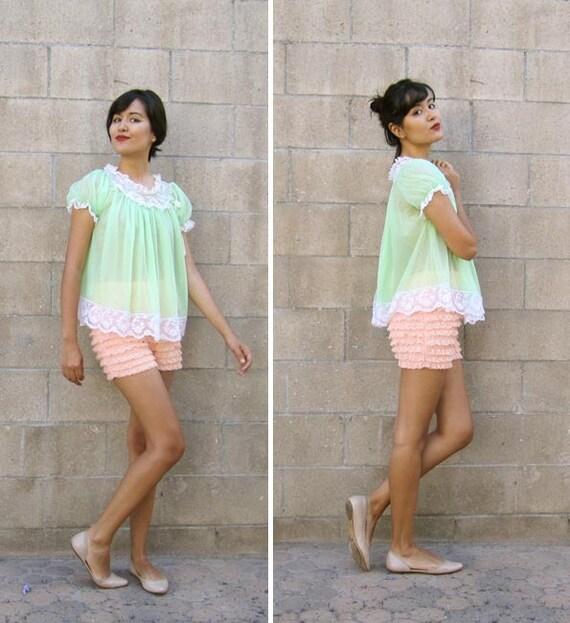 vintage lingerie/ vintage bloomers/ vintage 50s lace shorts S-L