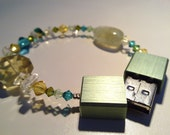 Reserved for Gemma Lindsay - bracelet-greenyellow-with-a-green-usb 16GB