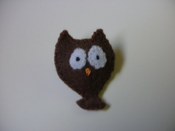 sale - Brown Owl felt pin