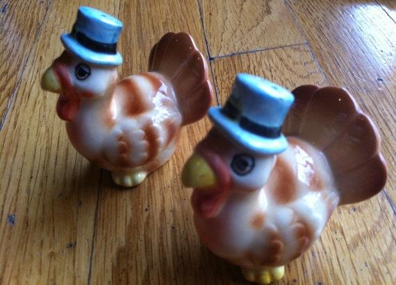 Collectible Gobblers in Pilgrim Hats: Turkey Salt/Pepper Shakers