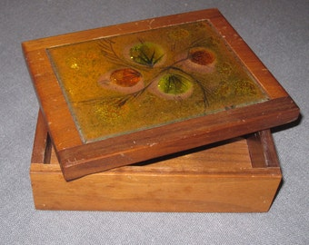 """A Classy Place to Stash Your . . . - Vintage 1960s or 1970s WALNUT STASH BOX with Psychedelic Glass-Inlaid Top 5""""x3.75""""x1.75"""" vtg"""