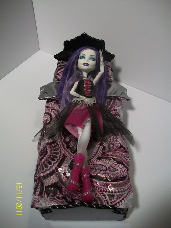 Find the best selection of Monster High Dolls at Mattel Shop. Browse dolls from Welcome to Monster High, Boo York Boo York and more today!