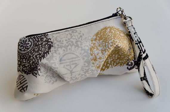 FINAL SALE ...Pleated  Wristlet Clutch Pouch - Asia Collection Dynasty Ivory